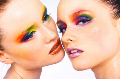 2000 Twins With Colour Make up S2